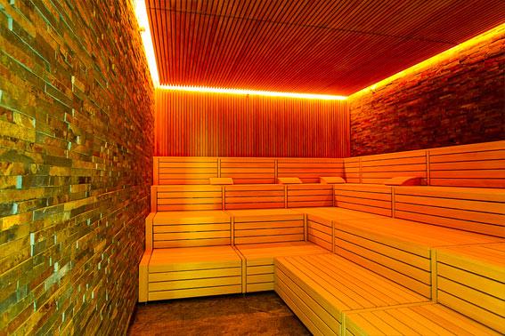 biosauna die mischung von finnischer sauna und dampfbad. Black Bedroom Furniture Sets. Home Design Ideas